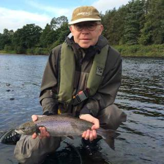 Fly Fishing The Tay In Summer 3